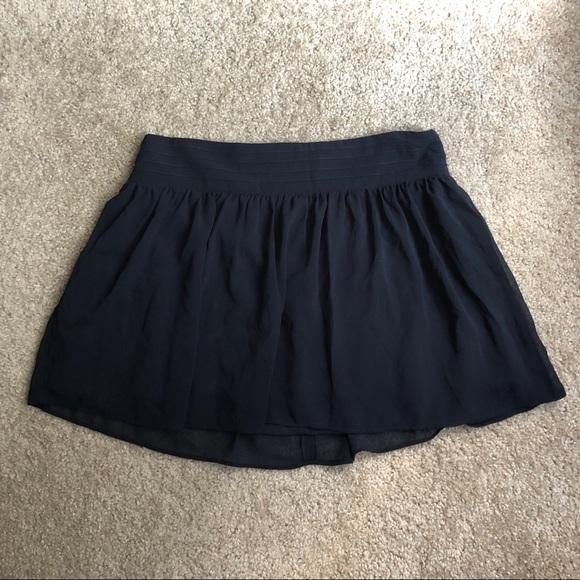 Olsenboye Dresses & Skirts - Black Flouncy Olsenboye Skater Mini Skirt Size 7